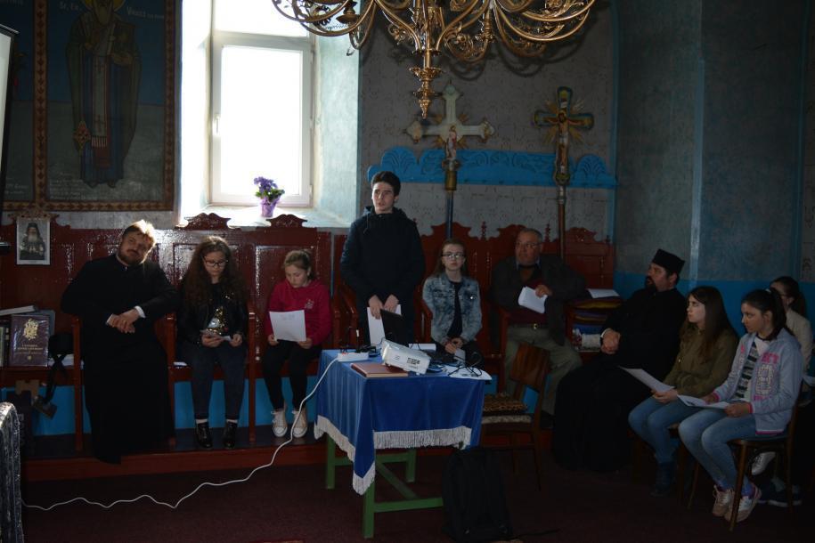 Cateheză în Parohia Bozieni