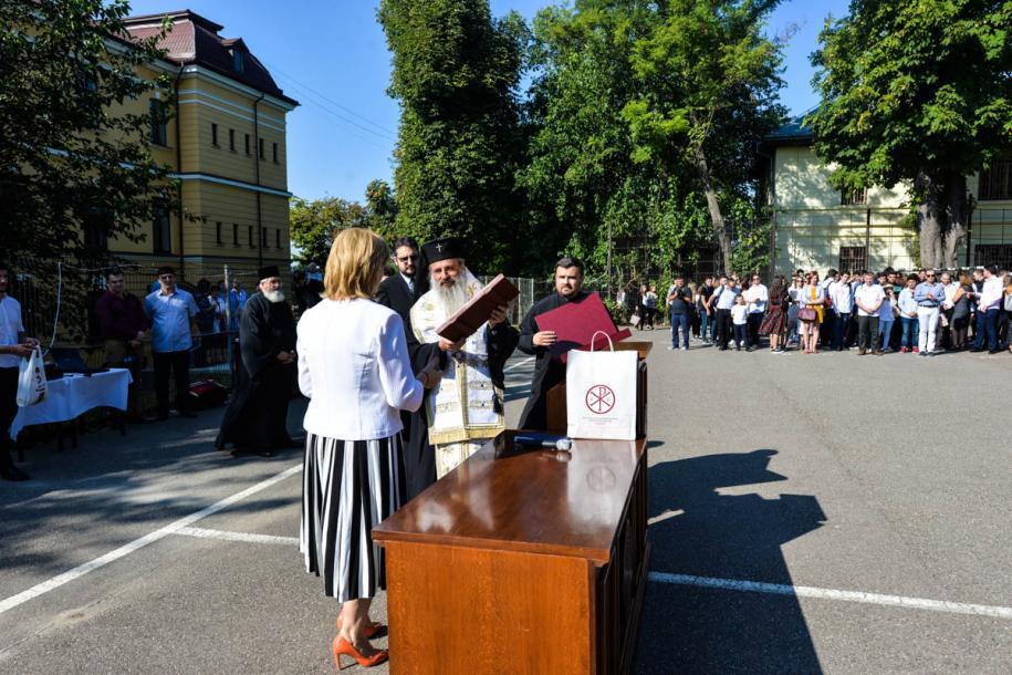 """Deschiderea anului școlar la Liceul """"Costache Negruzzi"""" din Iași/ Foto: Tudorel Rusu"""