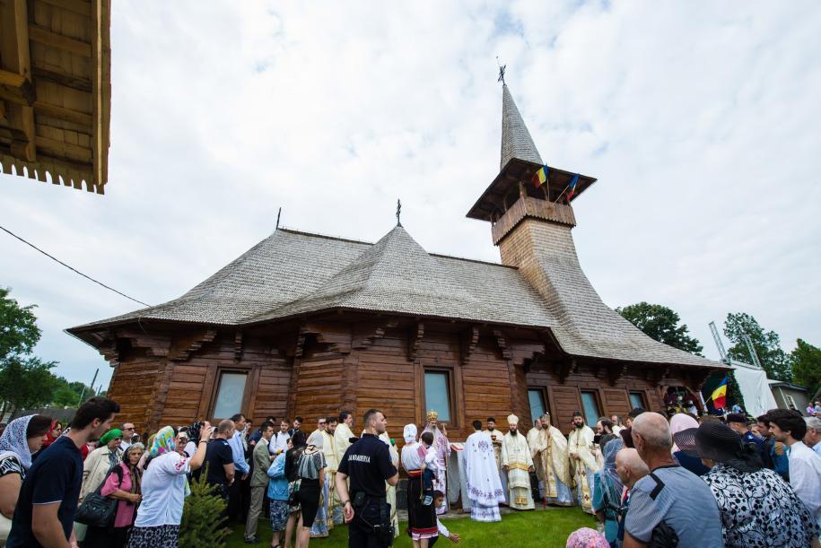"""Biserica cu hramul """"Sfinţii Împăraţi Constantin şi Elena"""" din Dancaș/ Foto: Tudorel Rusu"""