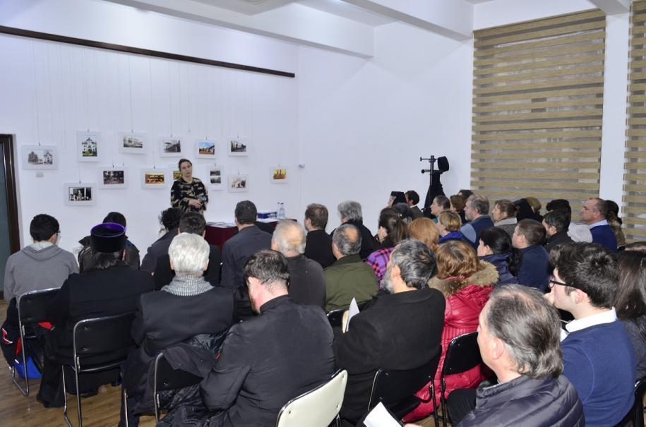 Avocata Ana Corina Săcrieru a conferențiat la Târgu Neamț
