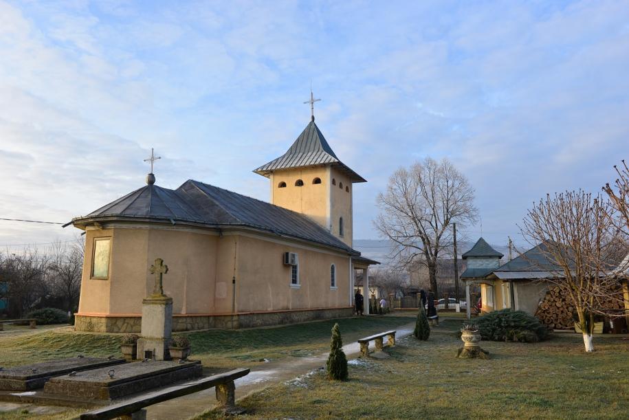 """Biserica """"Sfinții Împărați Constantin și Elena"""" - Golăiești/ Foto: Lucian Ducan"""