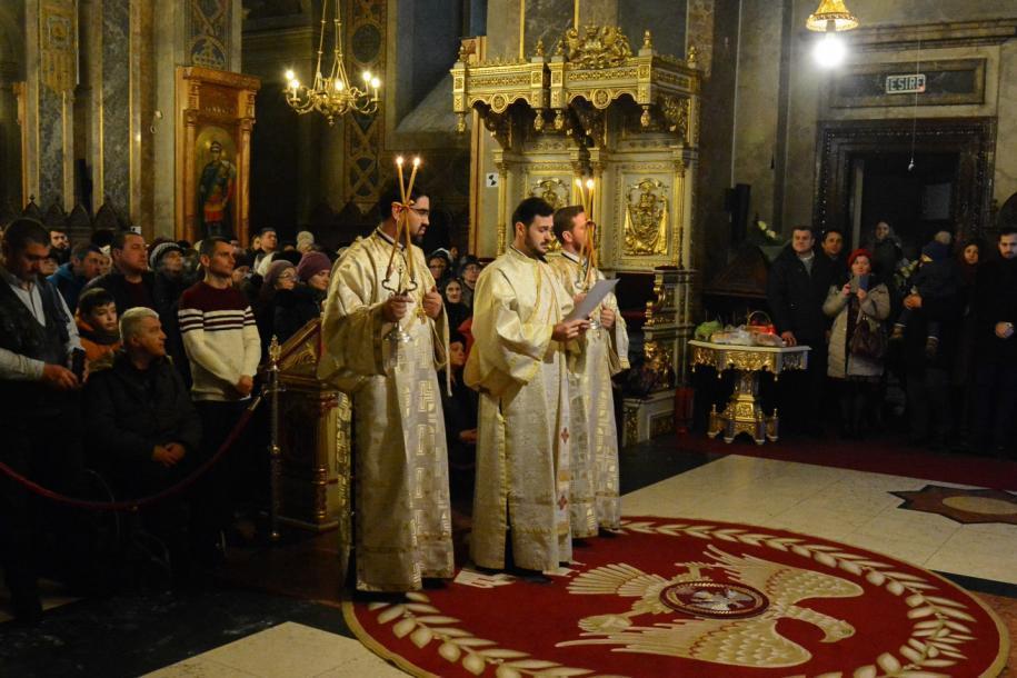 În cadrul slujbei, tânărul diacon Ștefan Cenușă a fost hirotonit întru preot/ Foto: Flavius Popa