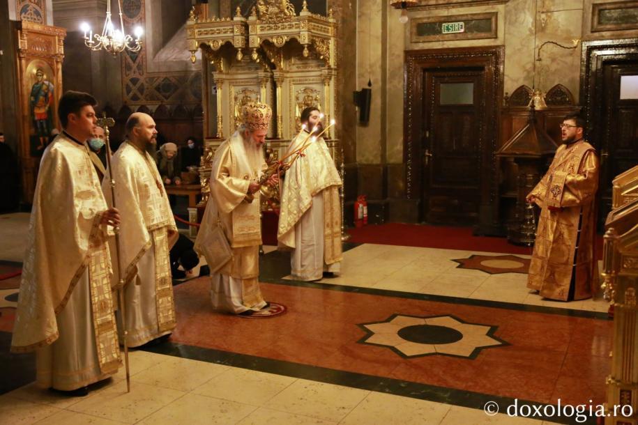 """Părintele Mitropolit Teofan a slujit la Catedrala Mitropolitană: """"Viața creștină este o cruce zilnică"""" / foto: Flavius Popa"""