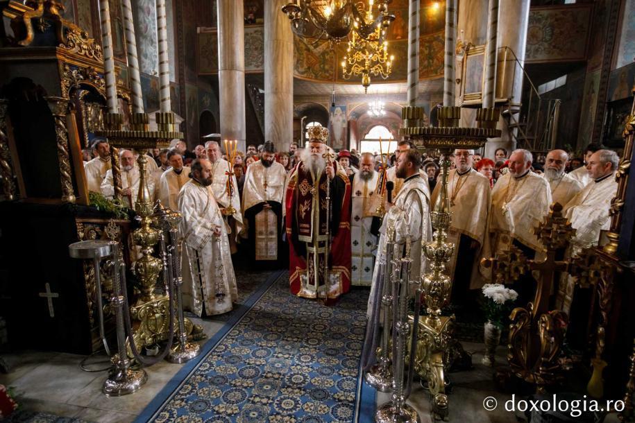 Vohodul Vecerniei / Foto: pr. Silviu Cluci