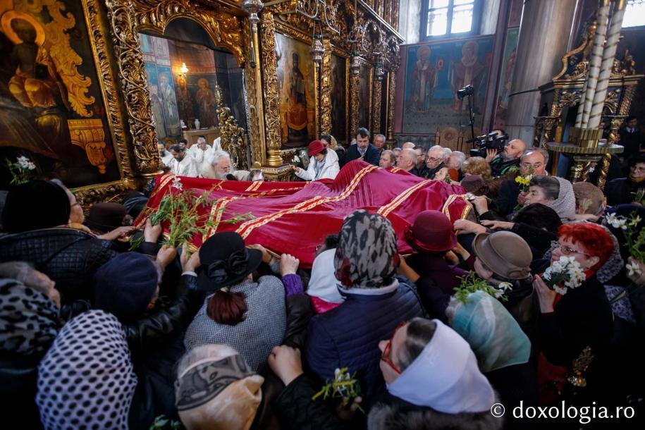 Rugăciunea de binecuvântare a stâlpărilor / Foto: pr. Silviu Cluci