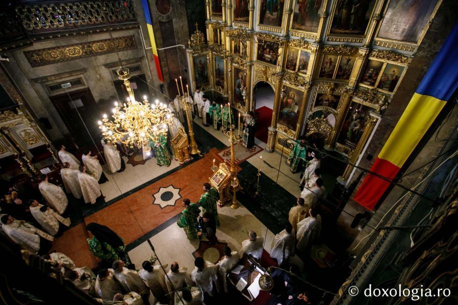 Procesiunea s-a încheiat la Catedrala Mitropolitană / Foto: pr. Silviu Cluci