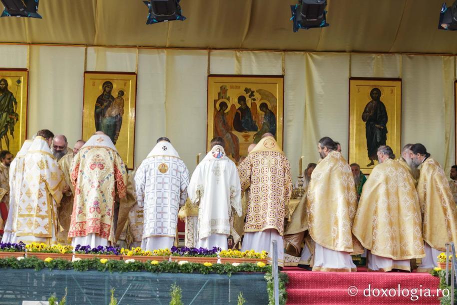 Foto: George Bosancu / Sfânta Liturghie a Hramului Cuvioasei Parascheva
