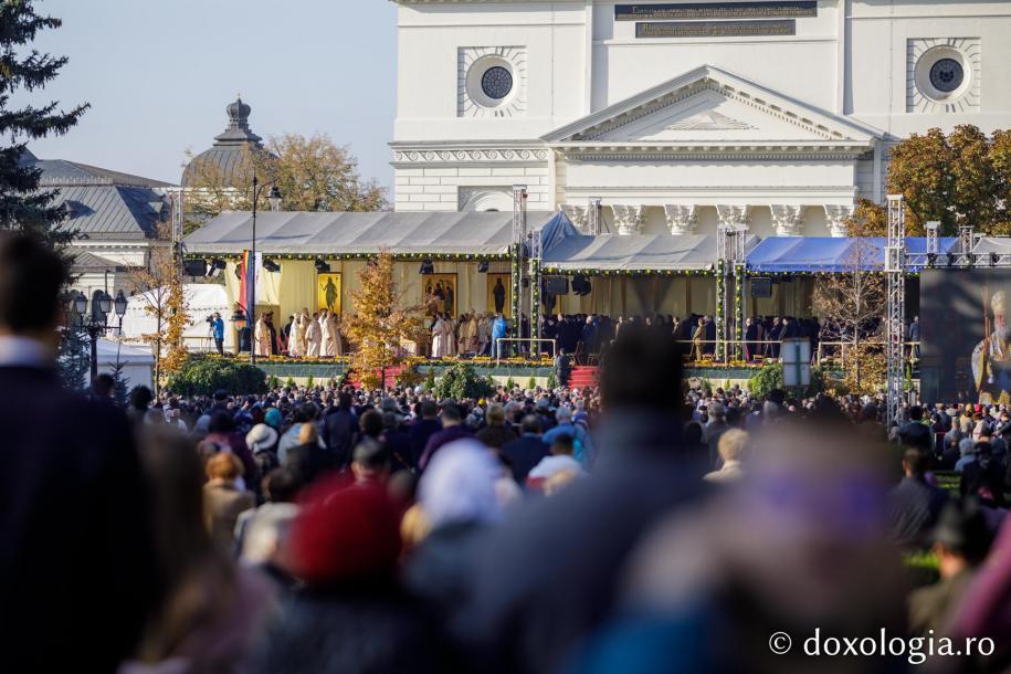 Foto: Oana Nechifor / Sfânta Liturghie a Hramului Cuvioasei Parascheva